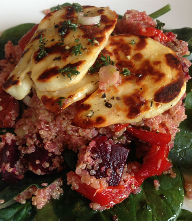 Hallomui quinoa salad